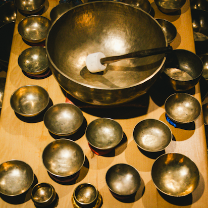 lhasa bern tibet teaser klangschalen